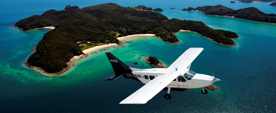 Airvan-over-Moturua-Island-Fleet